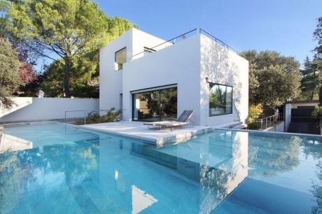 Дом с офисом в Испании