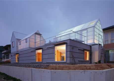 Дом с тремя сараями в Японии
