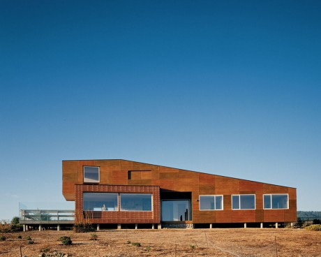 Дом на берегу в Чили