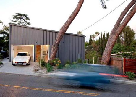 Дом на склоне в США