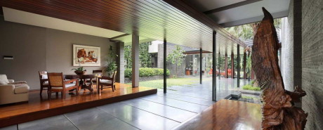 Дом с садом в Индонезии
