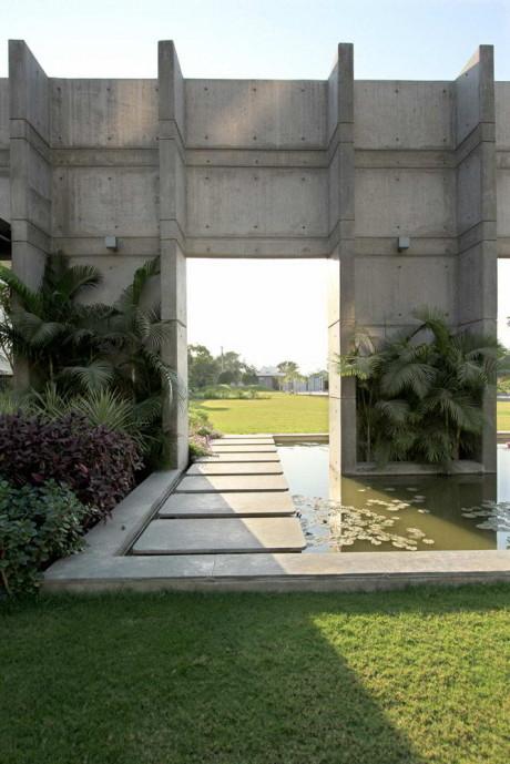 Бетонный дом в Индии