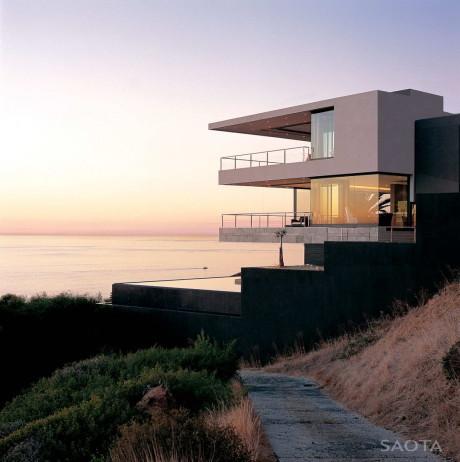 Проект современного дома на склоне в ЮАР