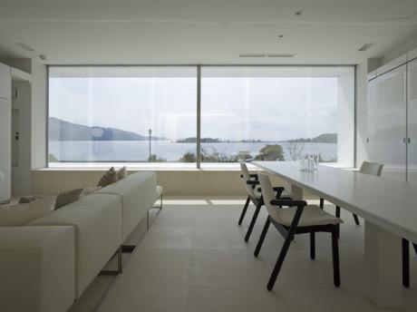 Интерьер минималистского дома в Японии
