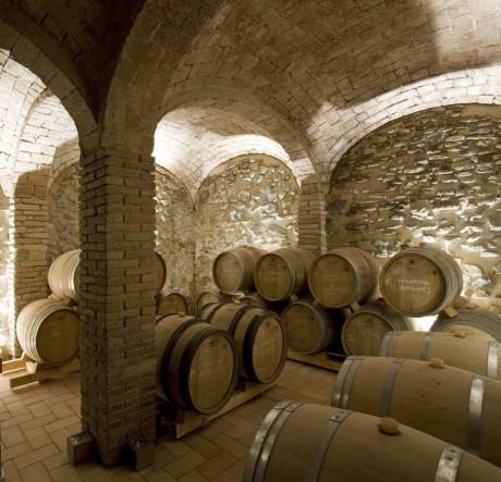 Интерьер каменного дома в Испании