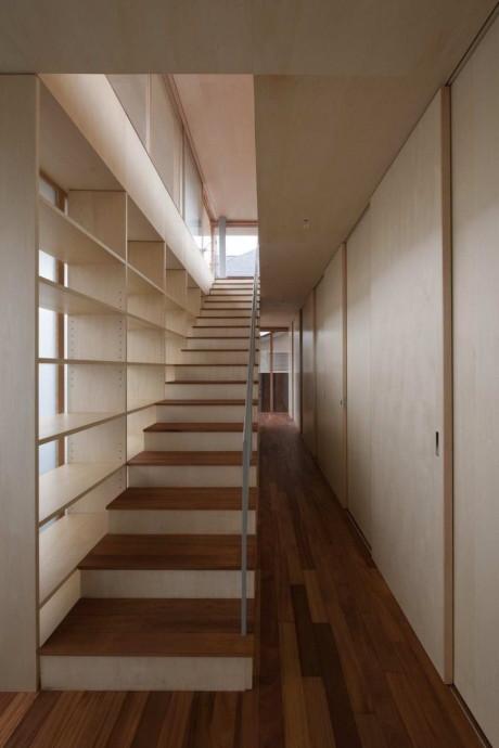 Деревянный дом с террасами в Японии