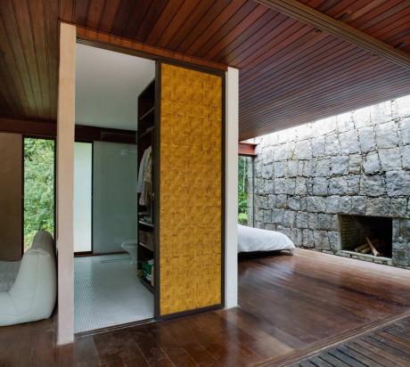 Каменная дача в Бразилии