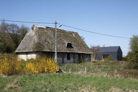 Современный деревянный дом во Франции