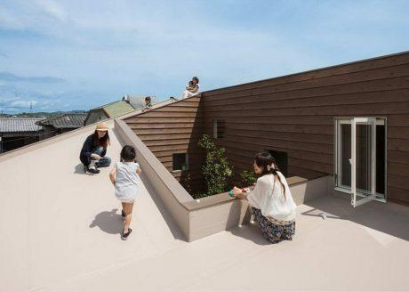 Дом вокруг двора в Японии