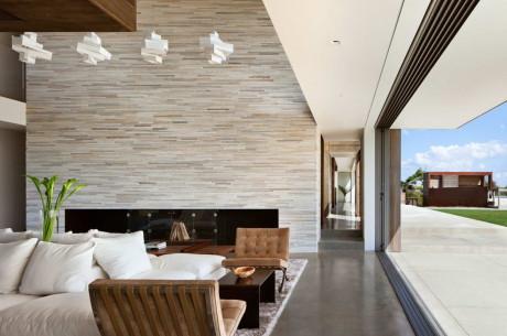 Проект деревянного дома на берегу океана