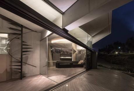 Дом-холм в Греции
