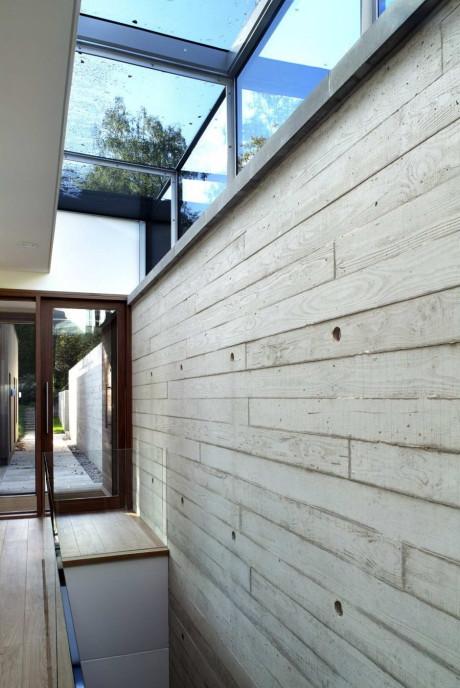 Проект деревянной дачи в лесу
