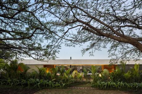 Дом Ли (Lee House) в Бразилии от Studio MK27.