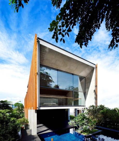 Загородный дом на сложном рельефе в Сингапуре