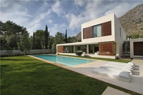 Дом Бауза (Casa Bauza) в Испании от Miquel Lacomba.