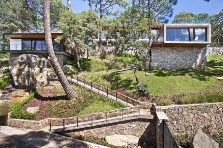 Лесной Дом (Forest House) в Мексике от EMA (Espacio Multicultural Arquitectura).