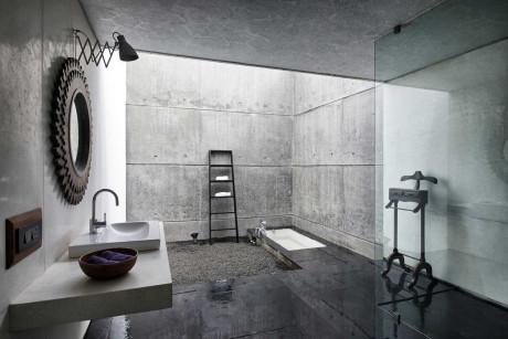 Литой дом из жидкого камня (House Cast in Liquid Stone) в Индии от SPASM Design Architects.