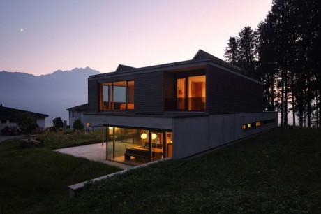 Дом Гульм (House Gulm) в Австрии от Aicher Ziviltechniker GmbH.
