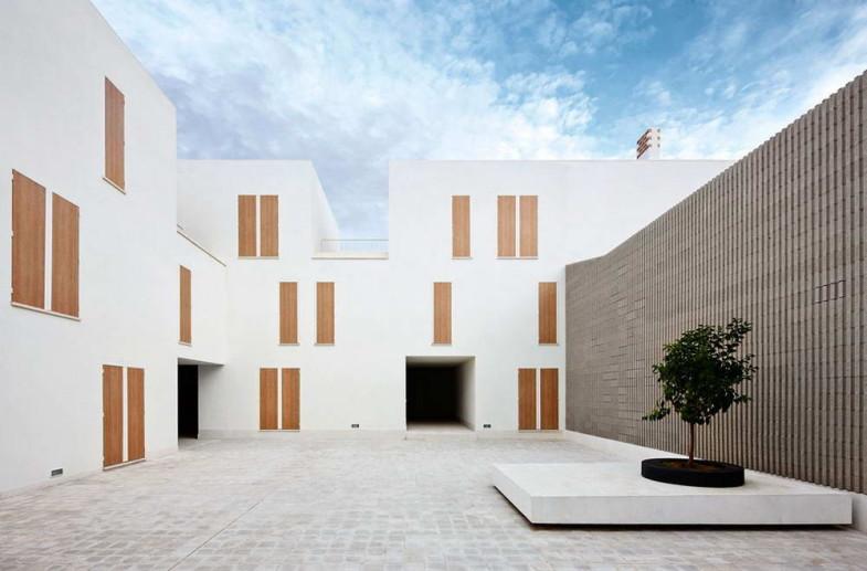 Социальном жилье испании