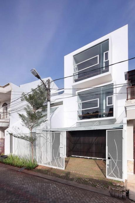 Дом Раскол (Split House) в Индонезии от TWS & Partners.