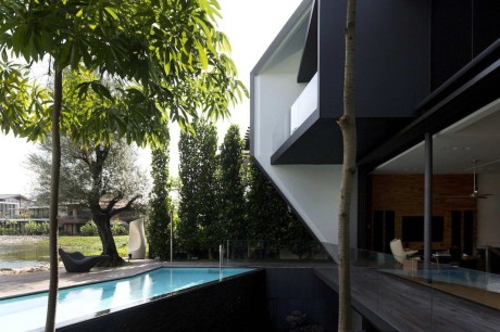 Дом Бриллиант (Diamond House) в Сингапуре от Formwerkz Architects.