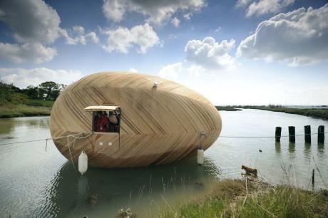 Яйцо Эксбери (Exbury Egg) в Англии от SPUD Group и PAD Studio.