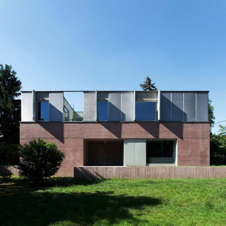 Дом в Будапеште (House in Budapest) в Венгрии от ZSK Architects.
