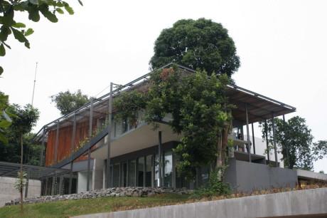 Дом Свет+Свет (Casa Light+Light) в Индонезии от Studio TonTon.