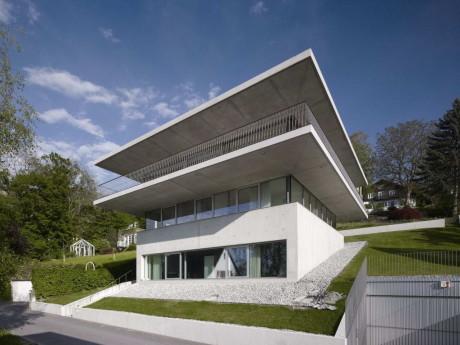 Дом у озера (House by the Lake) в Австрии от Marte.Marte Architekten ZT GmbH.