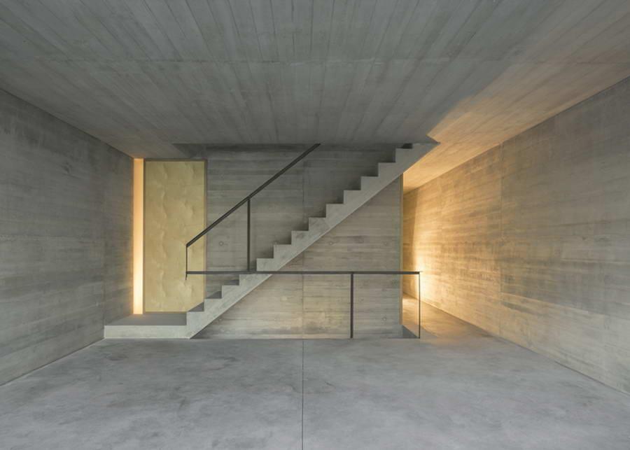 v-stile-goliy-beton
