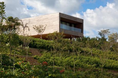 Дом CT (CT House) в Бразилии от Bernardes + Jacobsen Arquitetura.