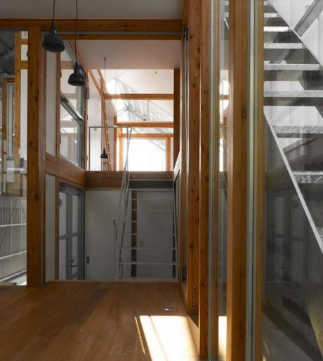 Дом 33 лет (House of 33 Years) в Японии от Megumi Matsubara и Hiroi Ariyama.