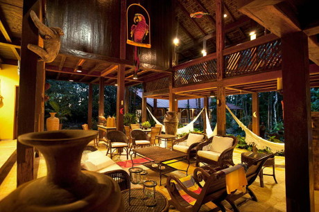Резиденция Роберта Шустера (Residencia Robert Schuster) в Бразилии от Severiano Porto.