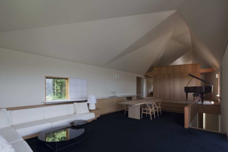 Дом Сигиура (Sugiura House) в Японии от Ken Yokogawa Architect & Associates.