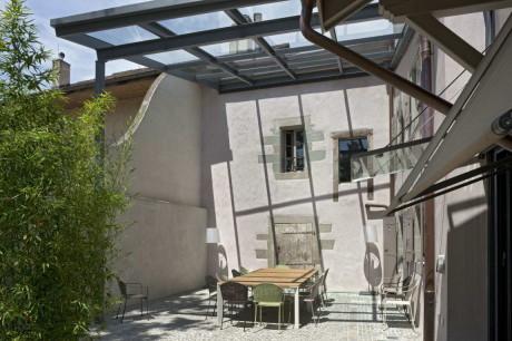 Реконструкция сельского дома (Conversion of a Farmhouse) в Швейцарии от arttesa interior design.