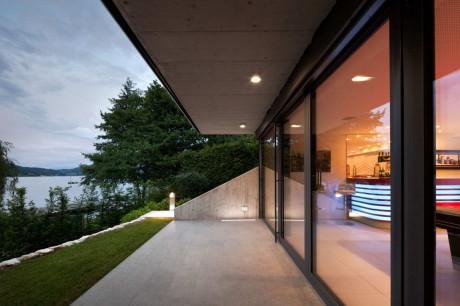 Дом у озера (Lakeside House) в Австрии от Spado Architects.