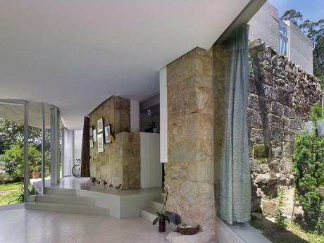 Односемейный дом (Single Family House) в Испании от Irisarri Pinera Arquitectos.