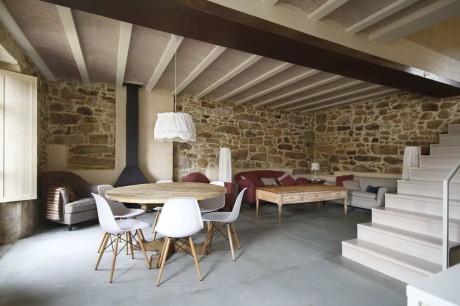 """Дом """"Уважение к камню"""" (Stone Respect) в Испании от Dom Arquitectura."""