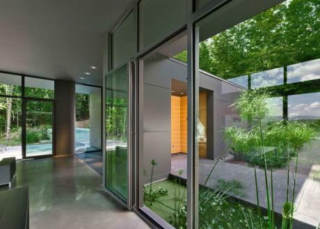 Т-Дом (T House) в Канаде от Natalie Dionne Architecture.
