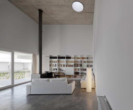 Дом Афонсо де Матос (Casa Afonso de Matos) в Португалии от Matos Gameiro Arquitectos.