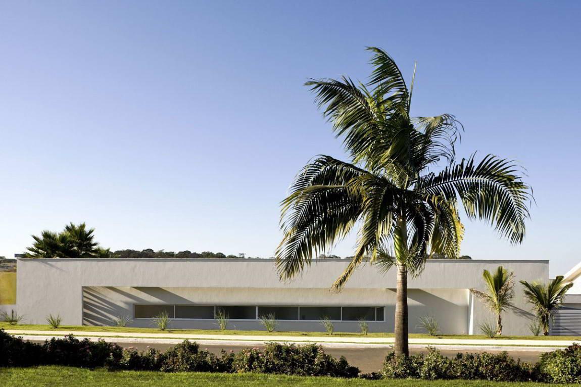 Casa do Patio 3 135x135 Дом вокруг двора в Бразилии минимализм декор двор