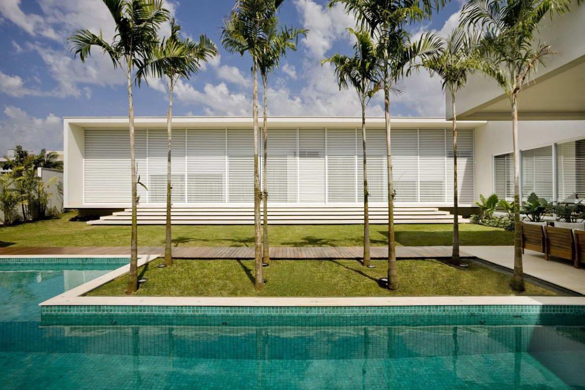 Casa do Patio 5 135x135 Дом вокруг двора в Бразилии минимализм декор двор