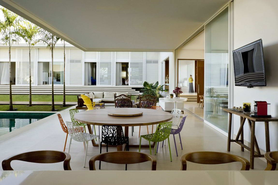 Casa do Patio 8 135x135 Дом вокруг двора в Бразилии минимализм декор двор