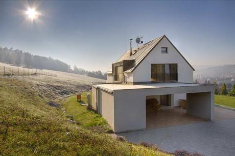 House in Bítouchov 1 460x306 Загородный дом в Чехии 23 форма природа