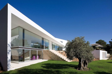 Минималистская вилла в Испании