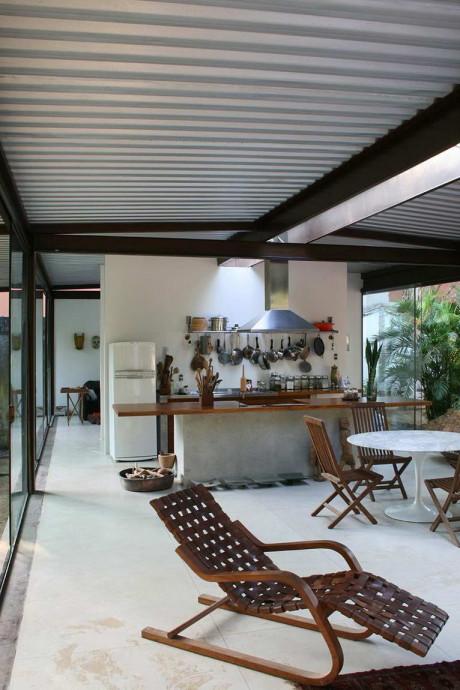 Дом-балкон (House Varanda) в Бразилии от Carla Juacaba.