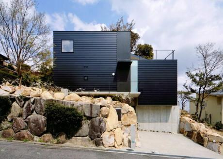 Дом на скале в Японии