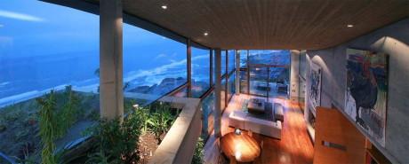 Резиденция в Папудо (Residence in Papudo) в Чили от Raimundo Anguita.