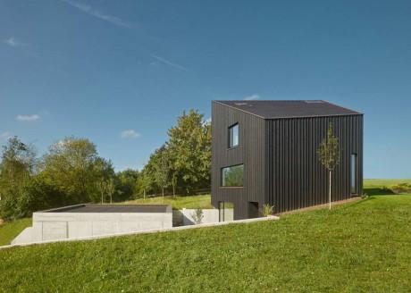 Загородный дом на холме в Германии