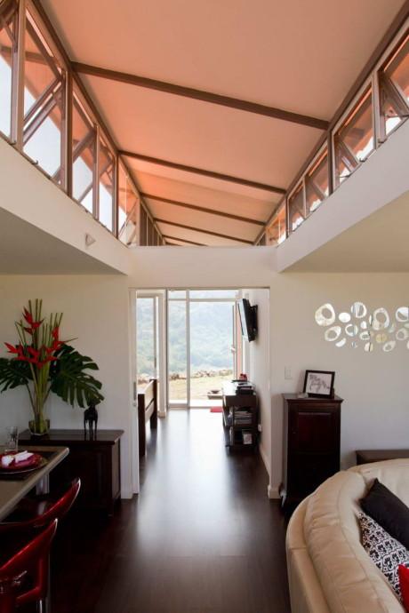Дом из контейнеров (Containers of Hope) в Коста-Рике от Benjamin Garcia Saxe.